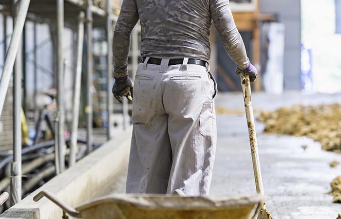 建設業の人手不足の原因