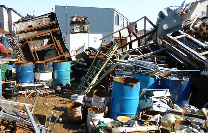 産業廃棄物の収集運搬業とは